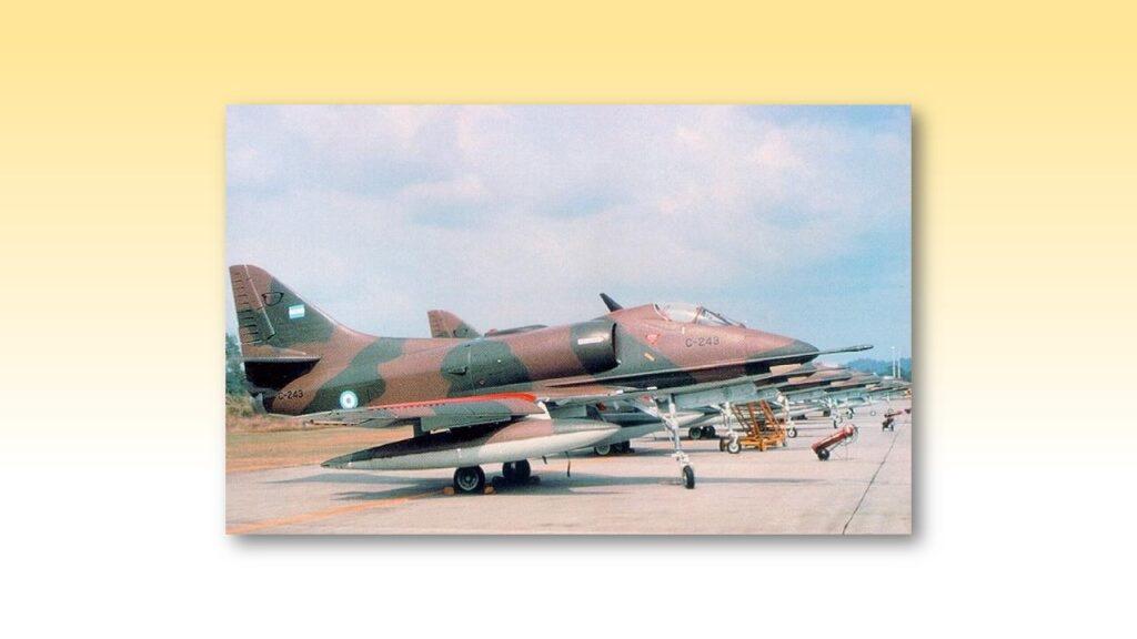 A4 B Skyhawk-3