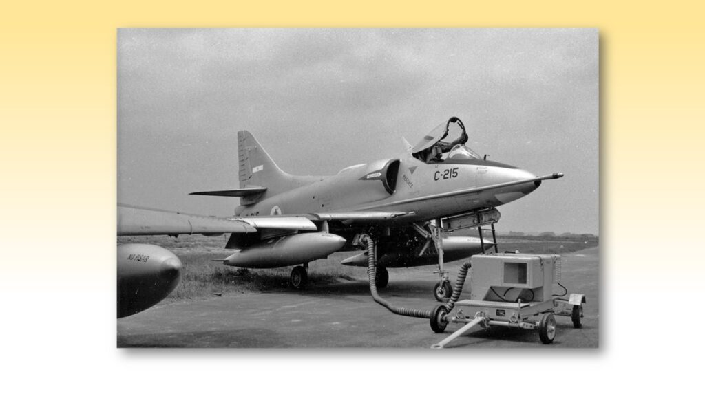 A4 B Skyhawk-5
