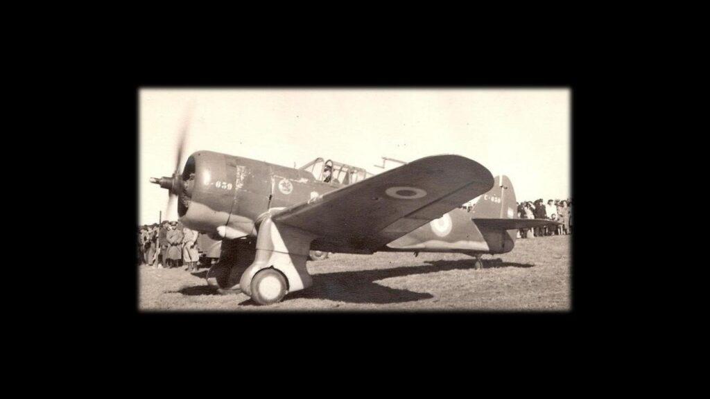 Curtiss 75 Hawk-11