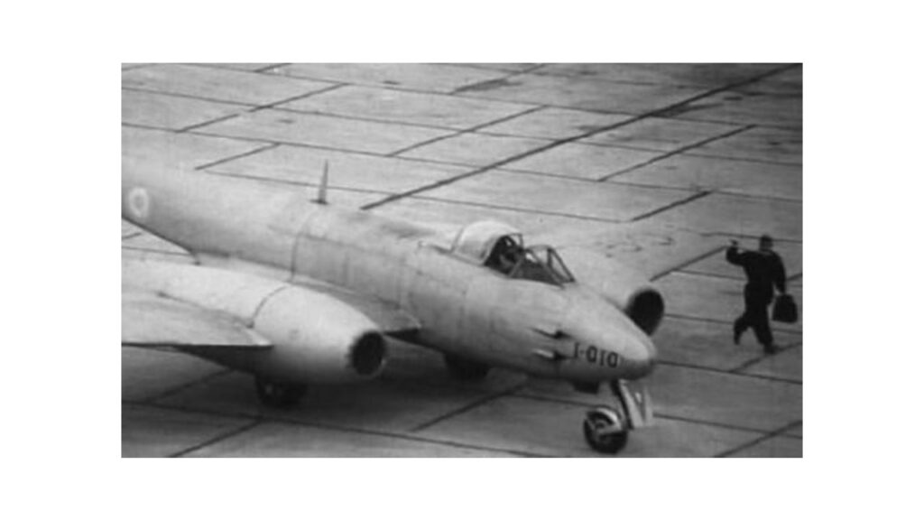 Gloster Meteor Mk IV-2
