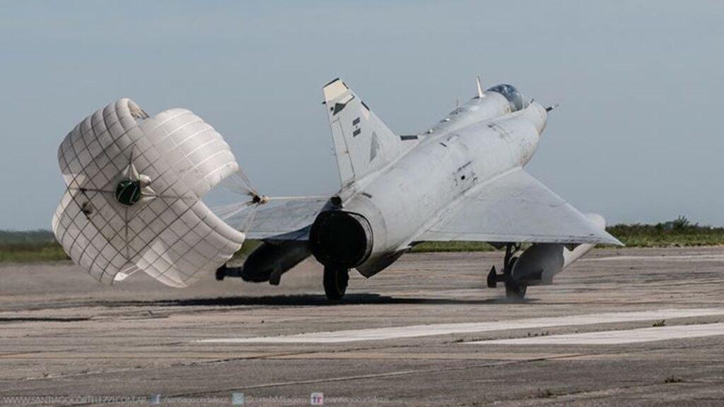 Mirage IIIEA-27
