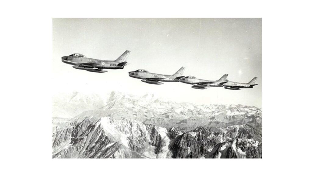 Sabre F86 F-19