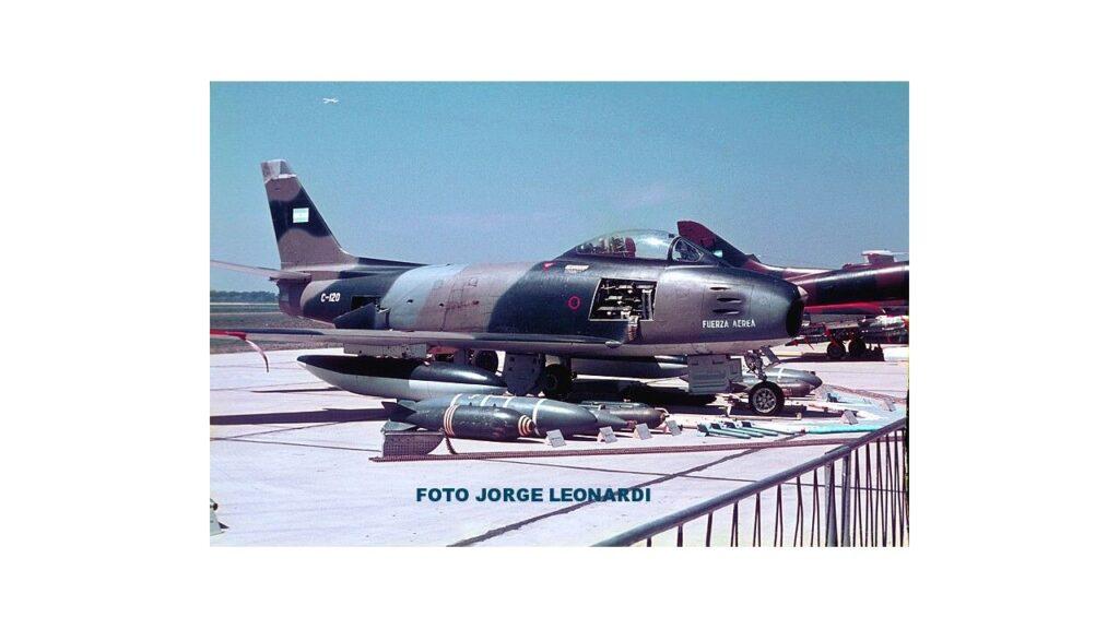 Sabre F86 F-21