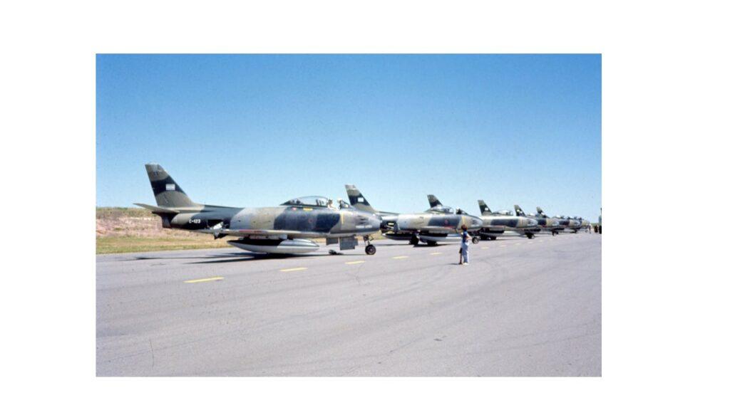 Sabre F86 F-25