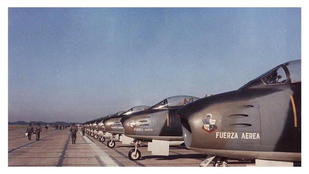 Sabre F86 F-32